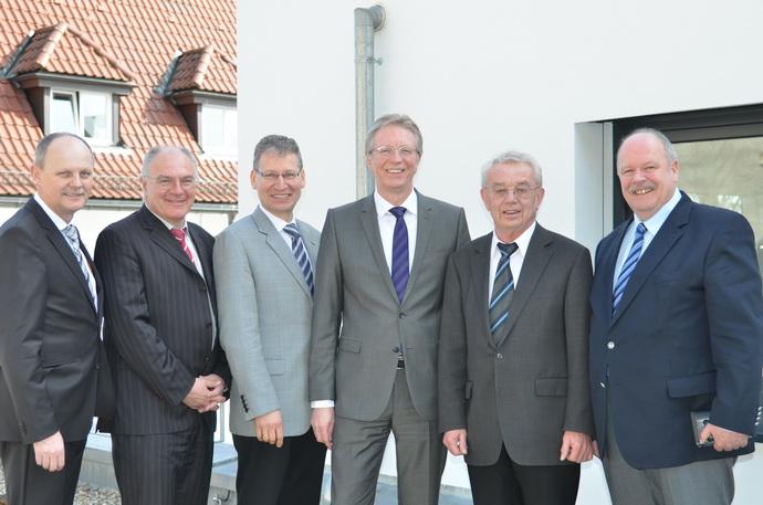 von links nach rechts: Beigeordneter Willi Schmid, Beigeordneter Josef Stingl, Landesgeschäftsführer Friedhelm Werner, Präsident Roger Kehle, Landesvorsitzender Heinz Kälberer, Landesgeschäftsführer a. D. Georg Hiller